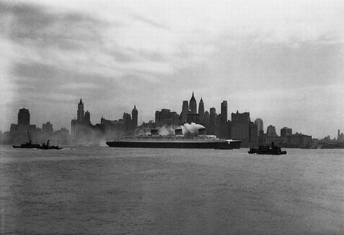 History: Black and white photos of New York City, United States