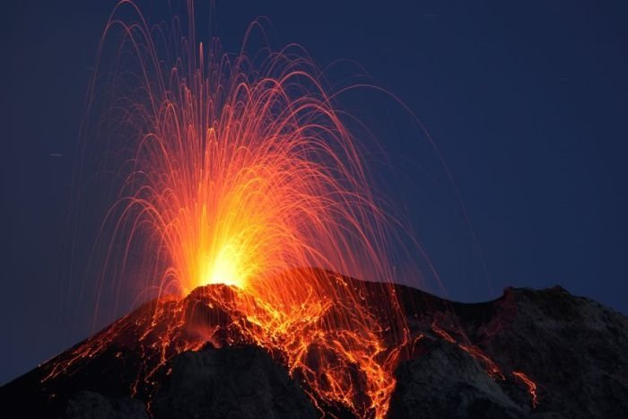 volcanoes around the world