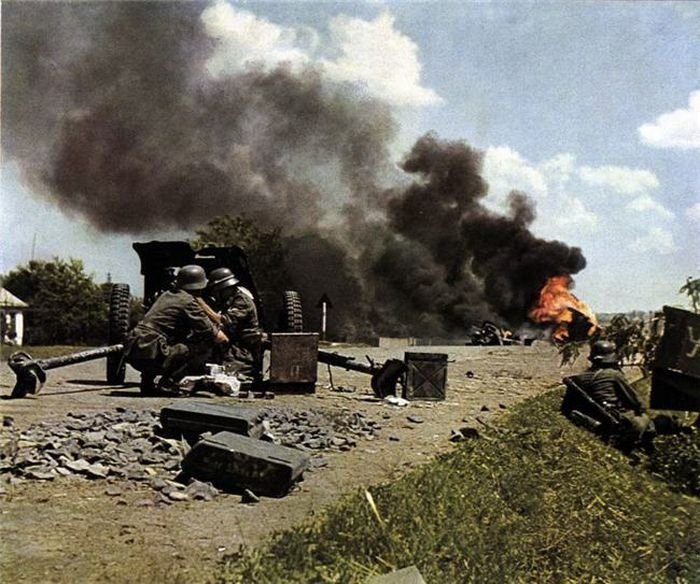 History: World War color photography