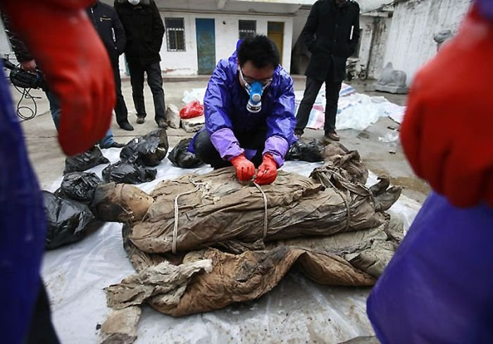 700 year-old mummy discovery, Ming dynasty, Taizhou, China