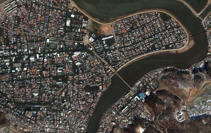 Aerial photos before and after 2011 earthquake and tsunami, Japan