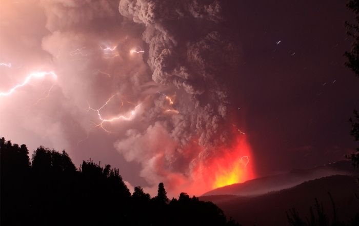 Puyehue volcano eruption, Andes, Chile